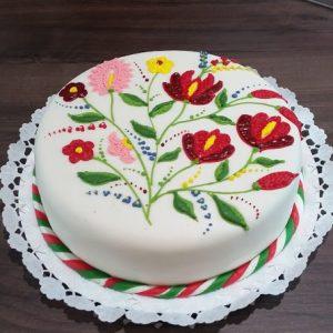 egyedi-torta